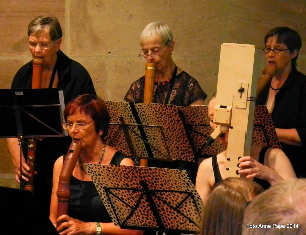Musikerinnen im Erlanger Blockflötenorchester Ltg. Anne Pape