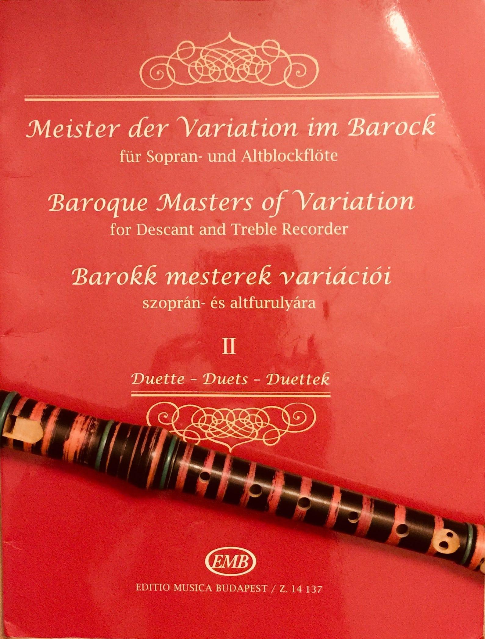 Rotes Notenbuch mit barockem Musiktitel